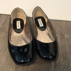 Black Steve Madden flats size 10 new condition